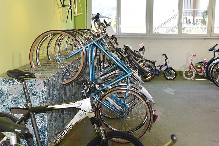Fahrräder der Velowerkstatt der Stiftung arwole
